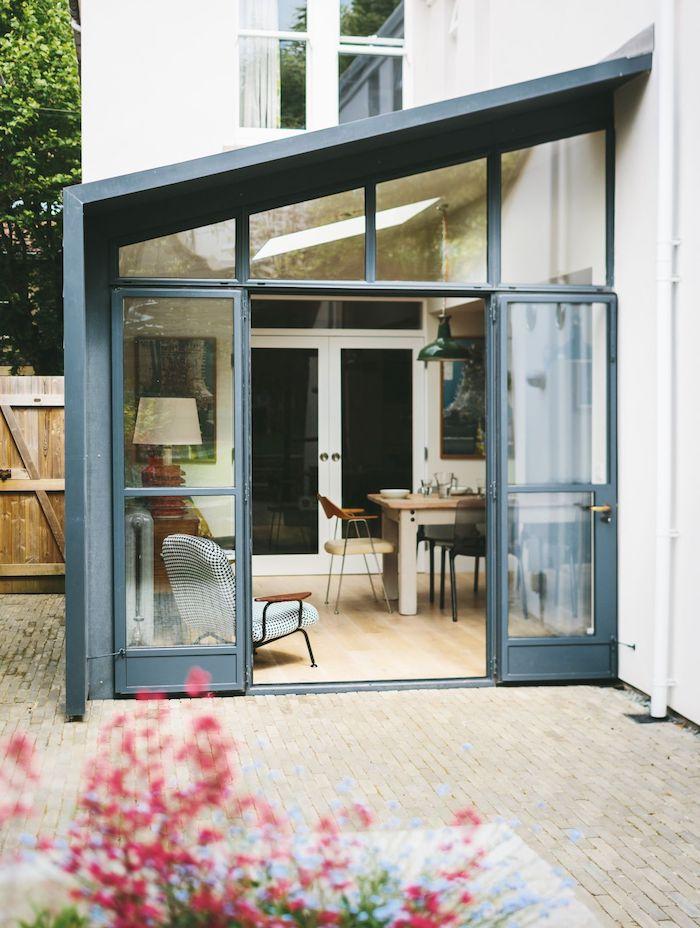 entrée maison extension pour salle à manger avec toiture en pente, idee comment agrandir sa maison de tout petit peu