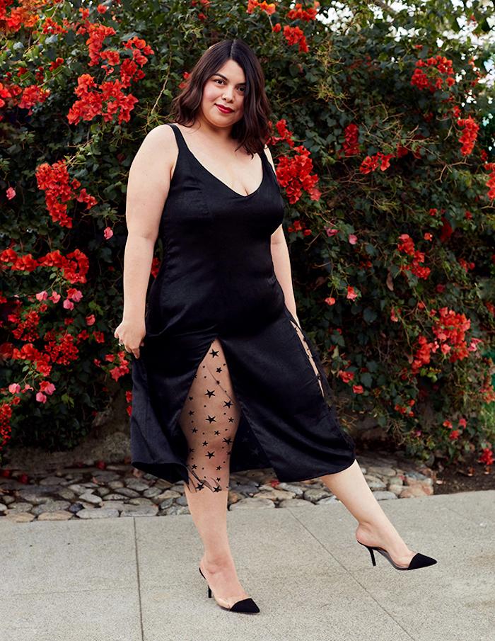 la petite robe noire version mi longue avec motif étoiles transparent, idée de robe de soirée grande taille élégante