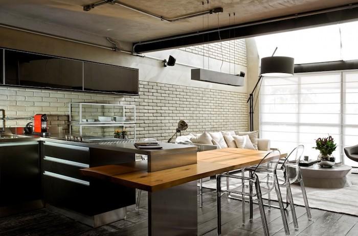 Cool idée cuisine noire ilot à manger et salon en un grand espace, retro deco, cuisine retro chic, design d'intérieur vintage