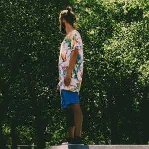 Tenue d'été pour homme - les pièces incontournables pour garder l'air chic en pleine canicule