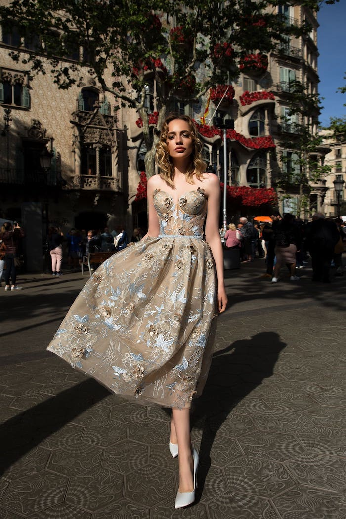 Bustier robe courte en dentelle, tendance robe habillée, tenue pour assister à un mariage