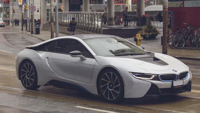 Les véhicules électriques de BMW i8, choisir de proteger les piétons avec un son de voiture artificiel