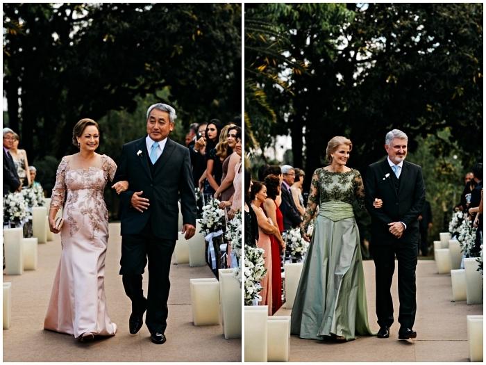 robe de cérémonie femme chic pour la mère de la mariée, modèles de robes de cérémonie en taffetas ornées d'appliques en dentelle