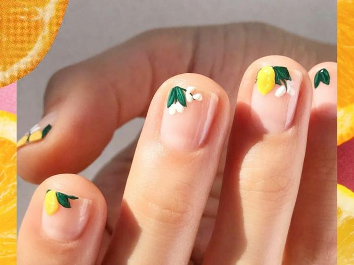 modele nail art floral, deco ongle ete avec motifs végétaux, déco ongles courts