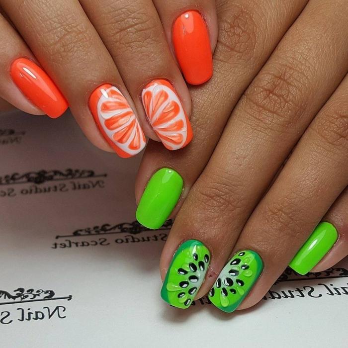 ongles design fruité, manucure en orange et vert avec dessin ongle kiwis et oranges, nail art été