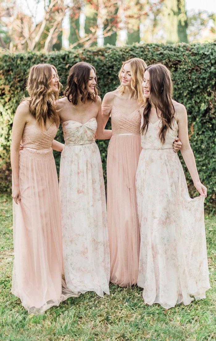 Robe bohème chic mariage 2019, idée tenue de mariage stylée, rose pale robe longue