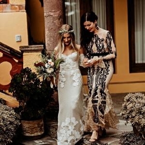 Quelle robe pour la mère de la mariée ? Conseils pour trouver la tenue de cérémonie parfaite