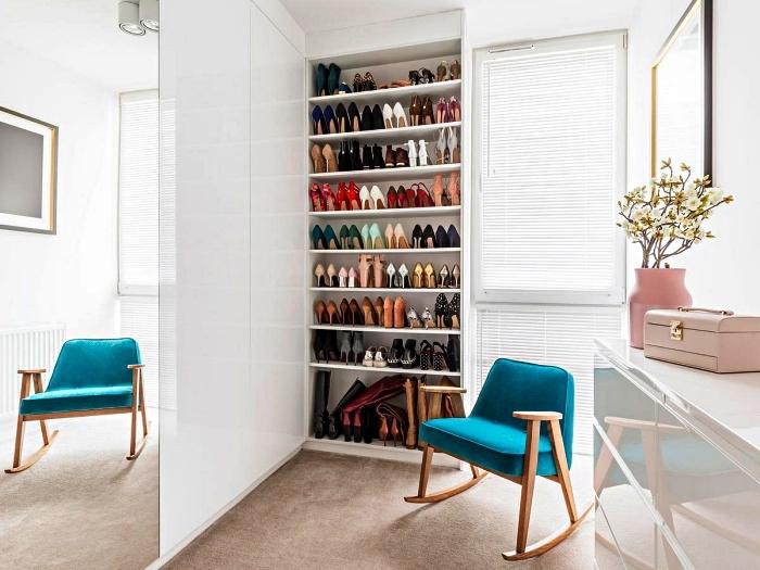 aménager un coin dressing dans sa chambre avec un placard à chaussures ouvert, meuble de rangement chaussures pour dressing