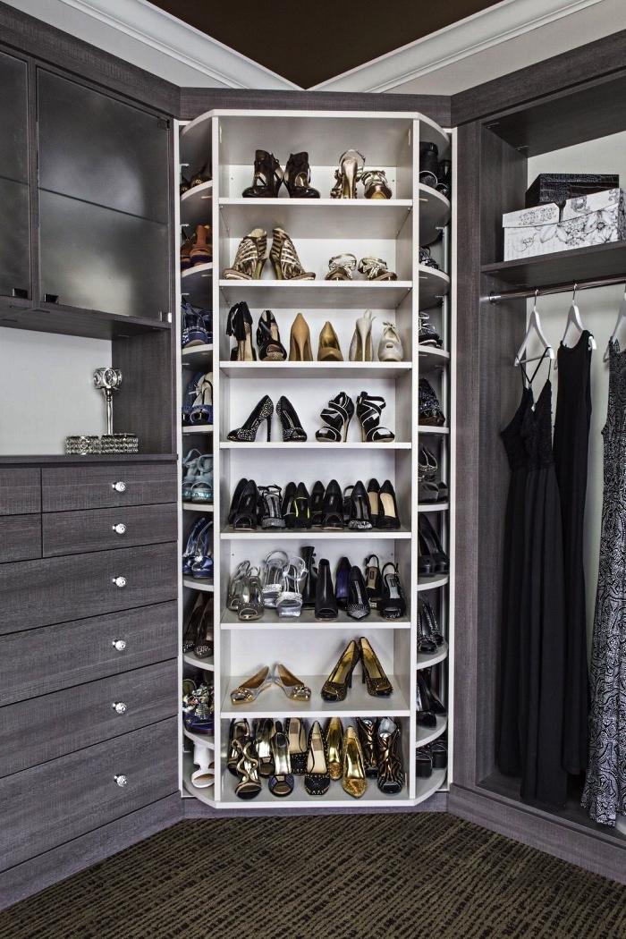 chambre dressing avec placard a chaussure d'angle à plusieurs niveaux, meuble de rangement sur mesure pour l'aménagement d'un dressing