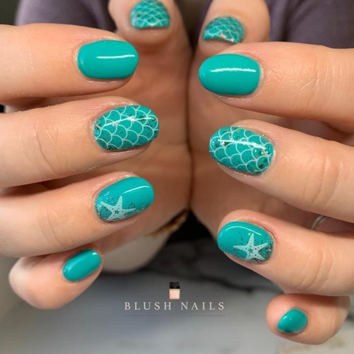 ongles turquoises, motif écaille de sirène, étoile de mer, ongles courts ovales, dessin sur ongle