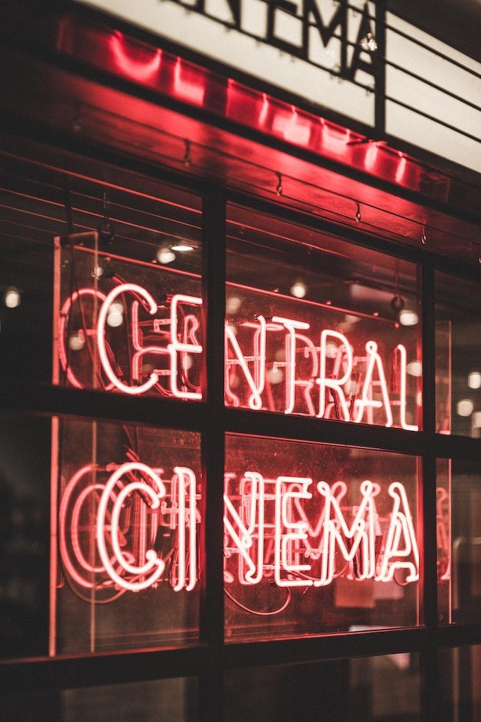 Neon signature, photo de swag, avoir de la confiance en soi meme, cinéma photo originale