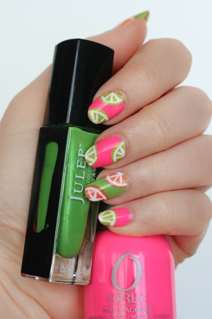 manucure fruitée, couleurs rose et vert, vernis à ongles en rose et vert, ongles ovales