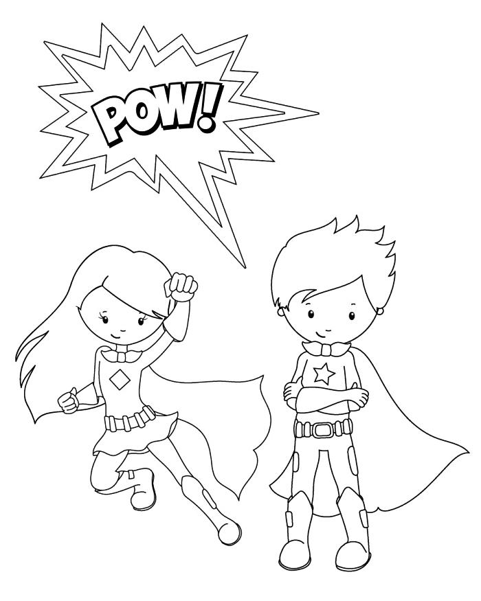 dessin à colorier fille et garçon super héros en costumes à capes, coloriage super héros pour enfants