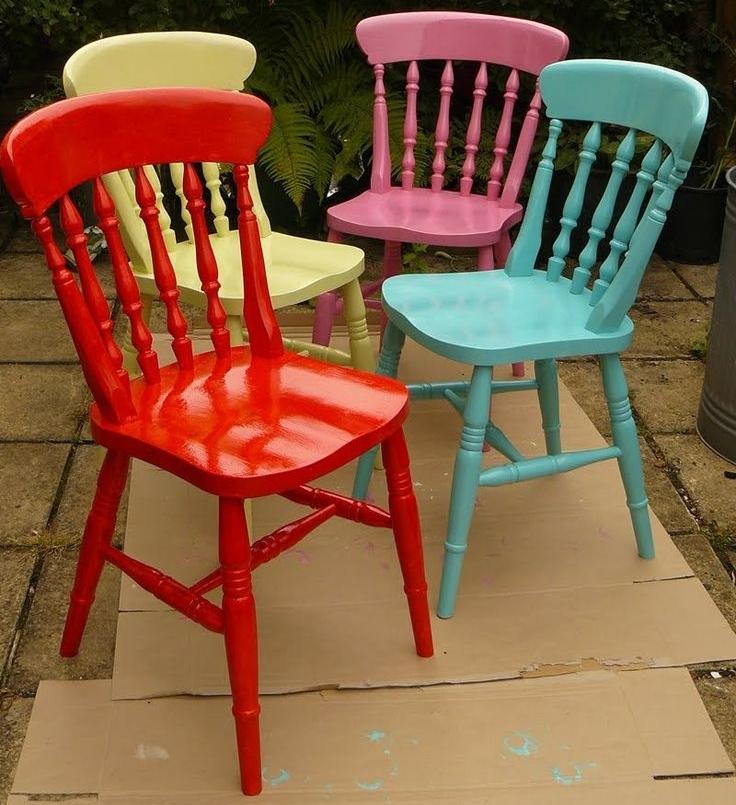 activit brico de l 39 t peindre une chaise en bois. Black Bedroom Furniture Sets. Home Design Ideas