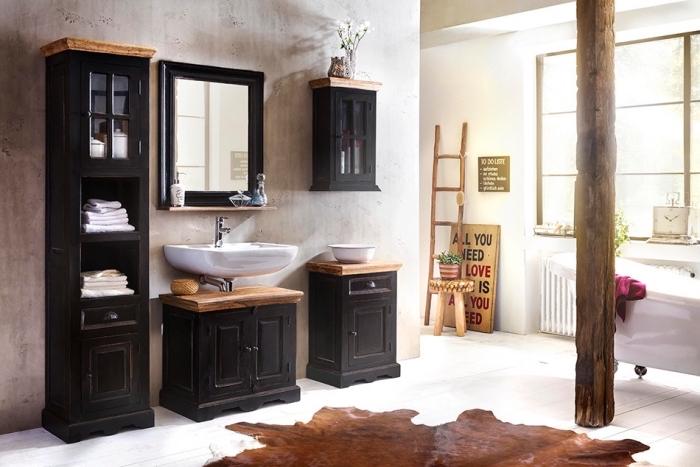 décoration style rétro classique aux murs gris clair avec meubles en noir et bois, idée plancher bois peint blanc dans la salle de bain avec