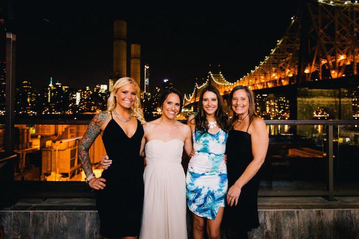 Mariage à new york, amies robe femme habillée, robe de cocktail pour mariage chic