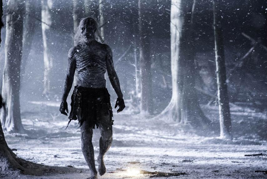 Après avoir planché sur cinq projets de prequel à Game Of Thrones, HBO vient de lancer la production de Blood Moon, écrit par George RR Martinet Jane Goldman