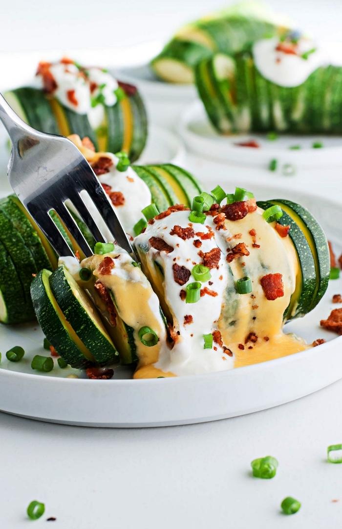 recette courgette au four farcie au fromage, idée repas du soi léger, recette végétarienne de courgettes farcies