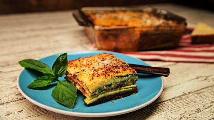 recette gratin de courgette au parmesan, idée repas du soir à base de courgettes, lasagne de courgettes facile