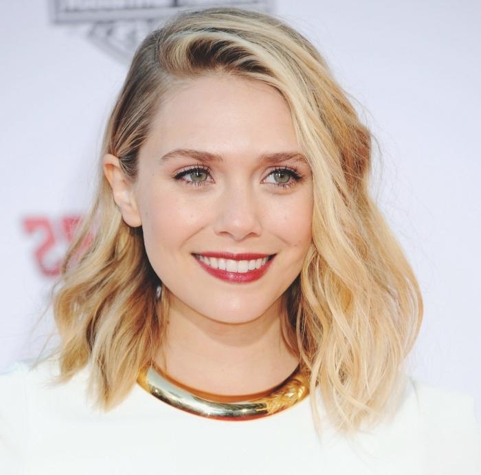 idée tie and dye sur cheveux de base châtain foncé aux mèches blond caramel, exemple coiffure carré mi long avec raie de côté