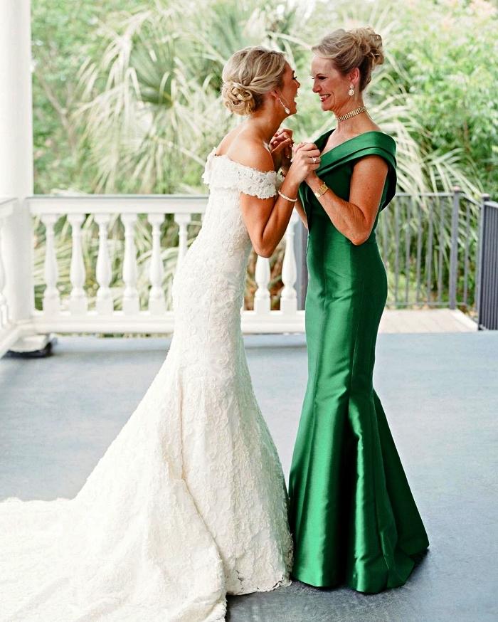 modèle de robe habillée pour la mère de la mariée, robe mere de la mariee haute couture à coupe sirène vert satiné