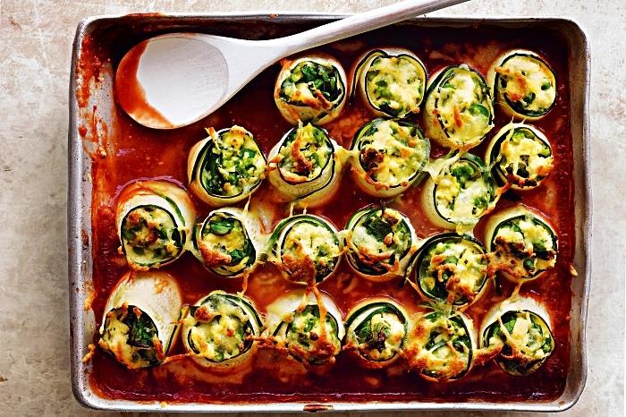 recette de cannelloni de courgette à la ricotta et sauce tomates, idée repas simple de tous les jours pour l'été
