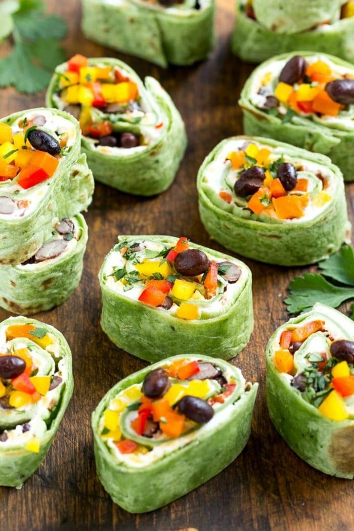 tortillas mexicaines, olives, carottes, patates douces, fromage, petits rouleaux savoureux, apéritif original