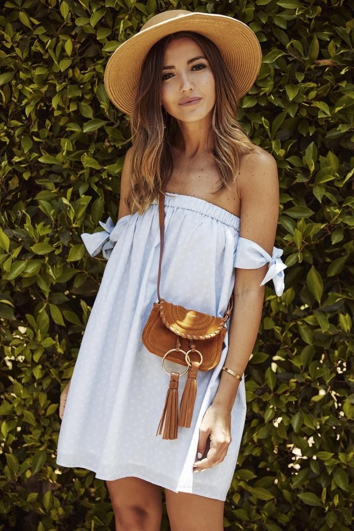 modèle de robe blanche été avec bustier et manches courtes nouées, accessoires à combiner avec robe courte fluide