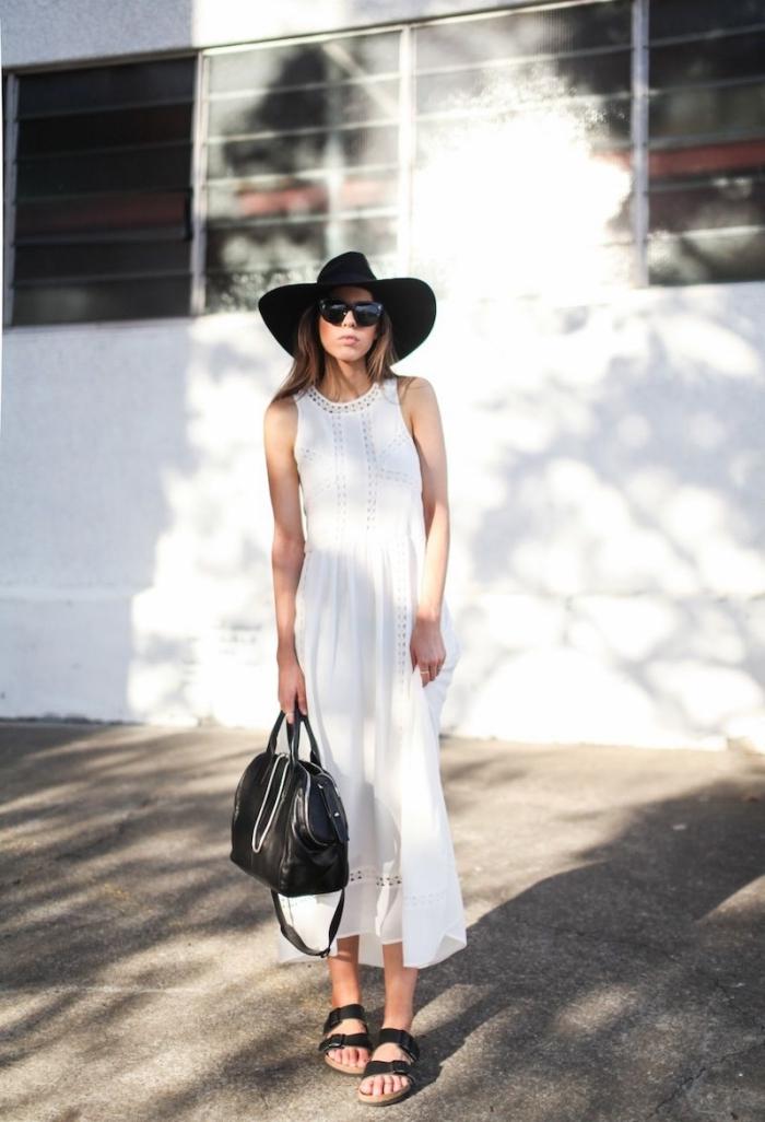comment assortir les couleurs de ses vêtements femme, idée tenue en blanc et noir avec robe longue été blanche et capeline noire