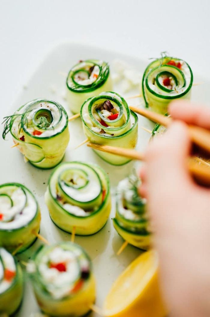 bouchées salées sushi de salade grecque, fromage, tomates, concombres; recette apero dinatoire diététique