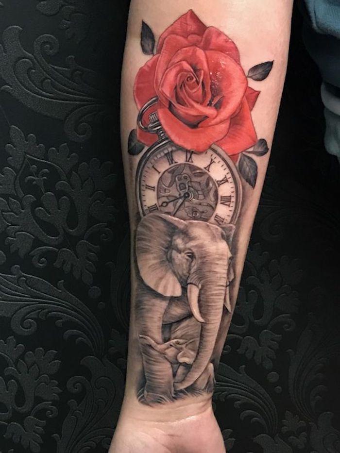 tatouage éléphant, horloge vintage et rose rouge, proposition de tatouage pour femme old school