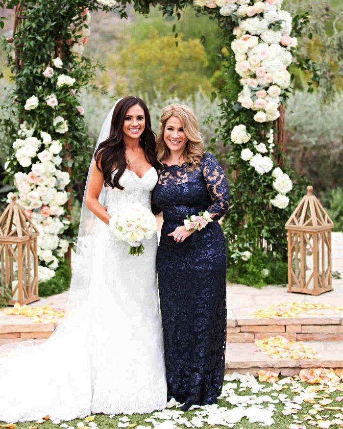 robe de soirée pour mariage, robe mère de la mariée longue couleur bleu marine doublée de dentelle avec manches longues