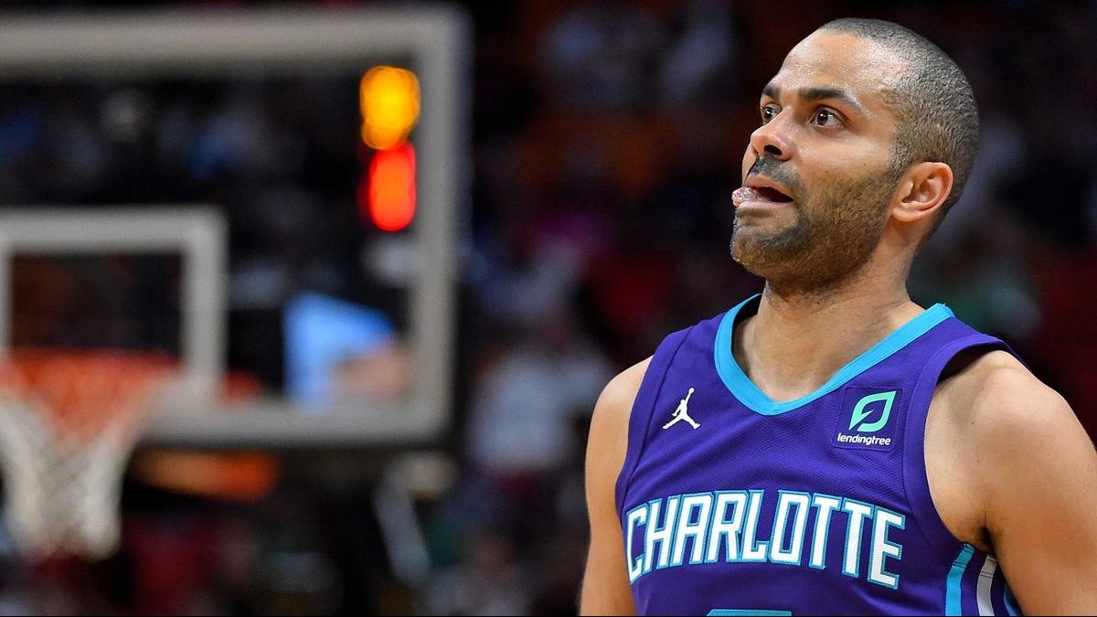 Tony Parker vient d annoncer la fin de carrière sportive et sa mise en retraite après une saison décevante chez les Charlotte Hornets