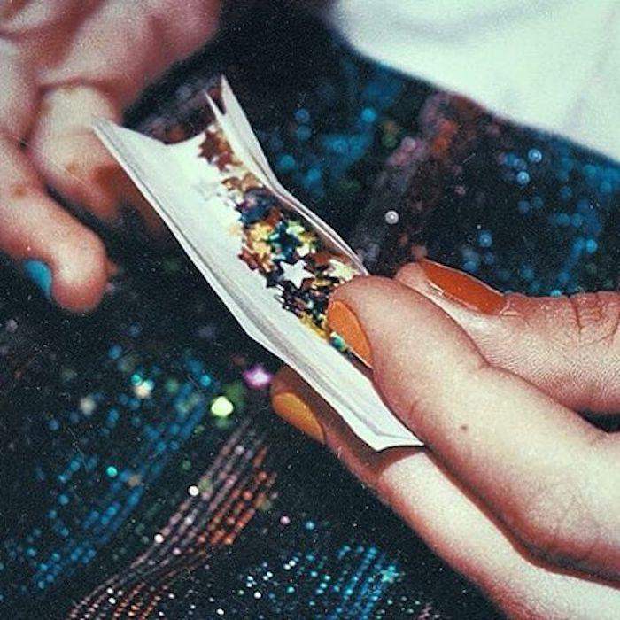 paillettes dans le papier de cigarette, cool image, photo swag, image de fond d'écran swag