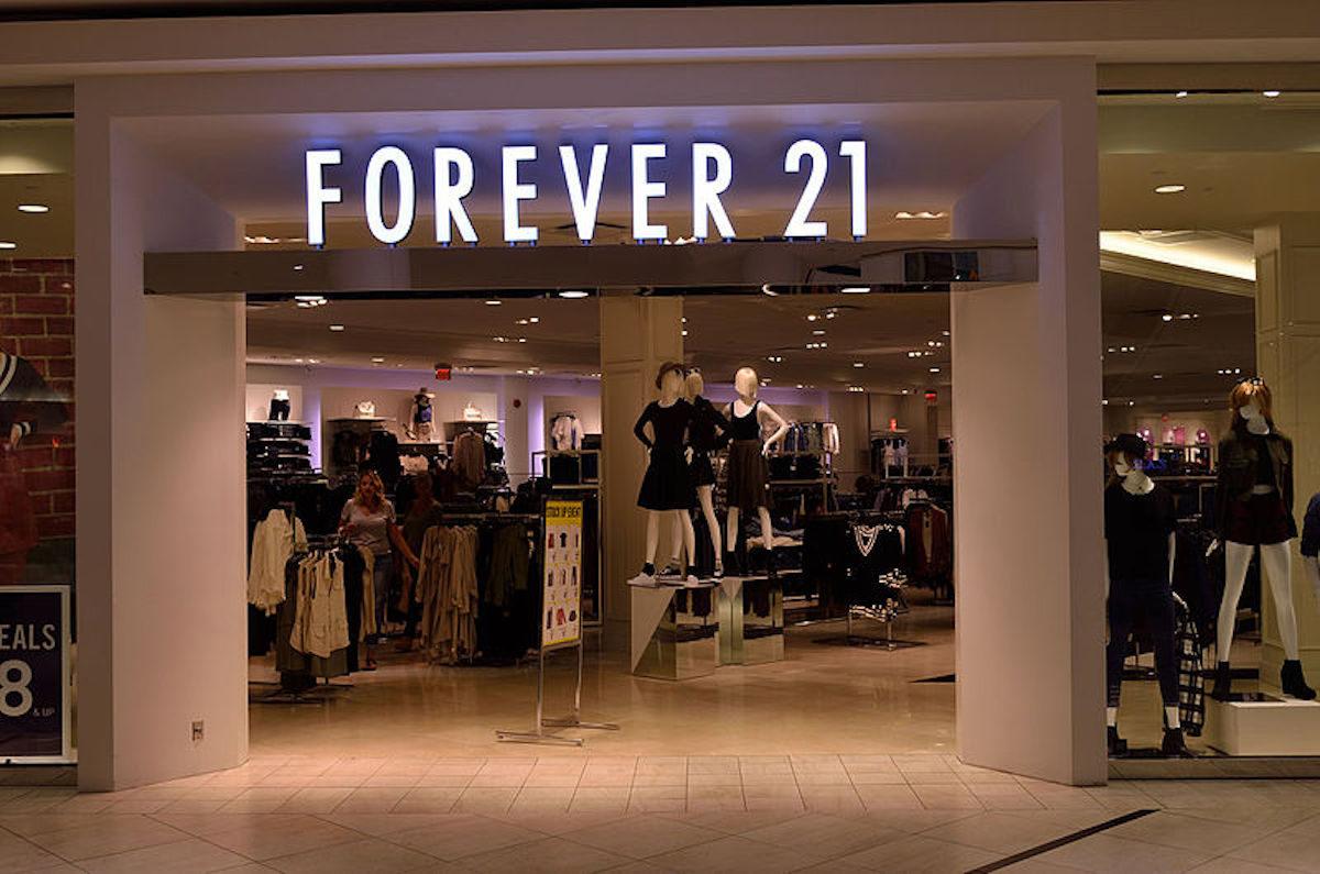 l'enseigne Forever21 est accusé par ses clients d'incitation au régime après qu'elles aient reçu des barres diététique Atkins