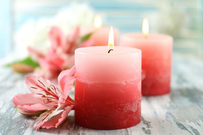 creation bougie facile avec restes de bougies anciens, idée cadeau original à faire soi-même, bougie fait maison à design ombré