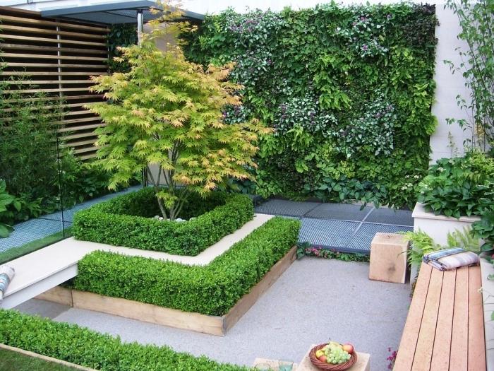 décoration jardin extérieur, modèle de petit jardin avec revêtement de sol en dalles et béton, petit jardin paysager