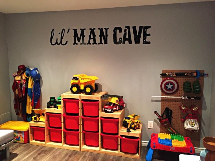 aménagement d'une chambre d'enfant pour garçon équipée d'un meuble de rangement avec bacs et panneau perforé, bac de rangement pour meuble caisson