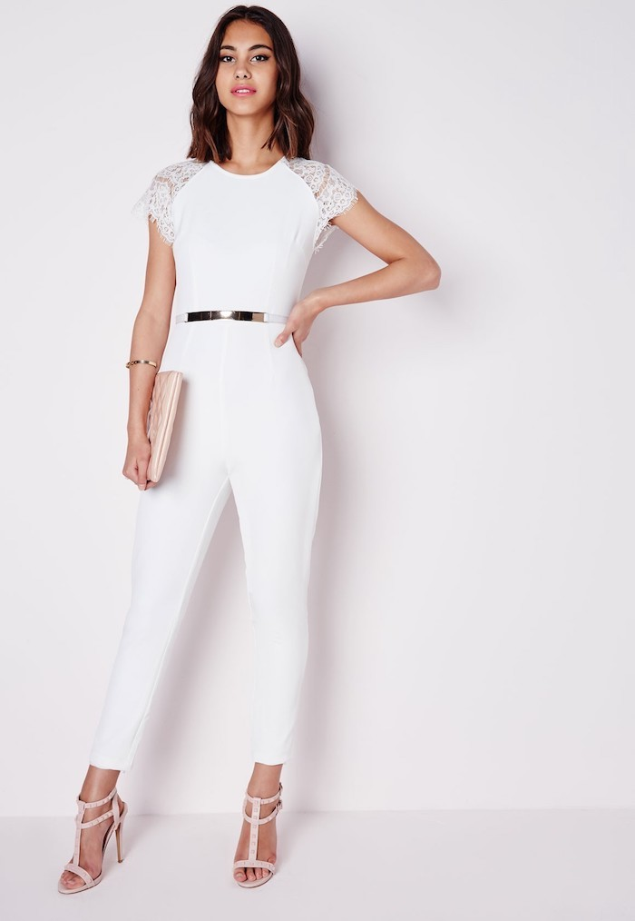 Salopette blanche pantalon long, belle tenue chic pour un bapteme, salopette pantalon long, manche dentelle