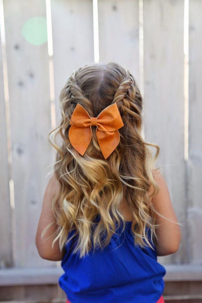 Cool idée coiffure originale pour enfant, grande ruban orange, tresse indienne, coiffure pour fillette, comment faire une coiffure