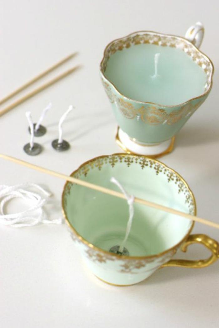 tutoriel fabrication bougie facile, bougie fait maison avec cire fondue et colorée en couleur vert menthe dans une tasse thé