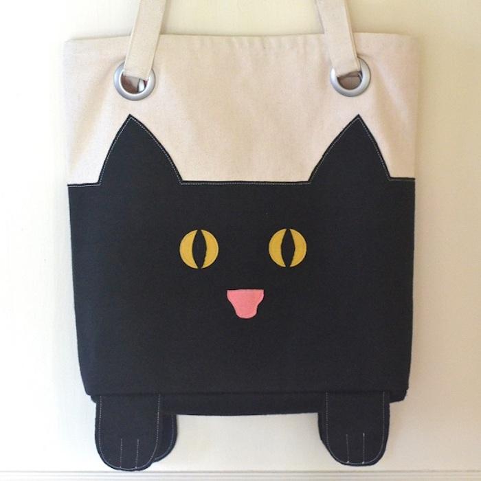 Tuto sac cabas avec dessin de chat noir mignon, choix sac en tissu, diy couture pour débutant, exemple de sac pour petite fille à faire soi même