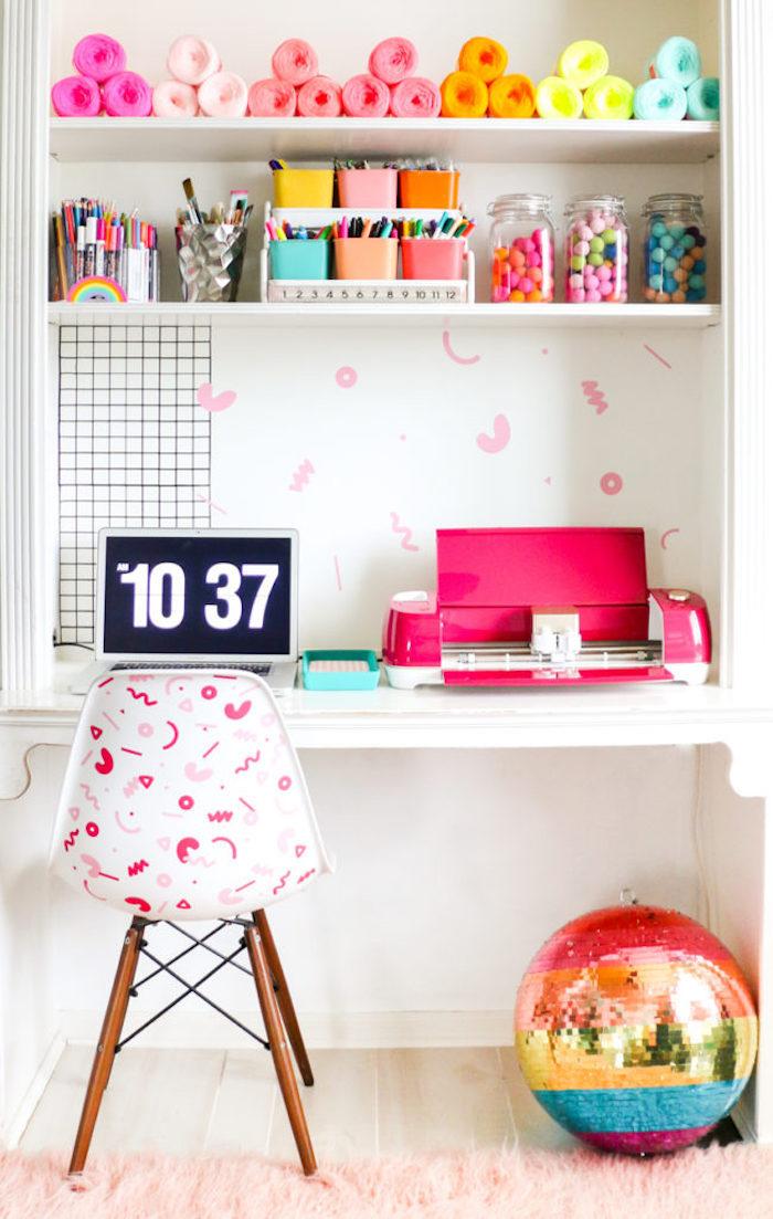 Coloré déco chambre ado fille, rangement bureau, aménagement bureau, déco de bureau