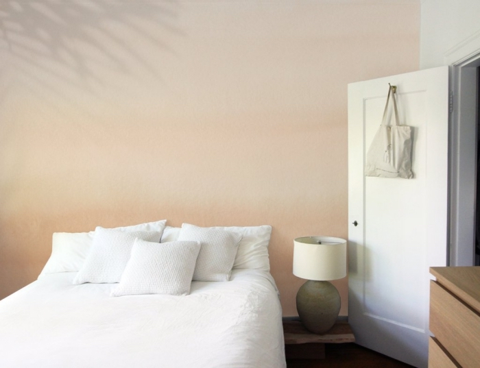 comment aménager une chambre à coucher scandinave en couleurs neutres, couleur porte intérieure avec mur blanc