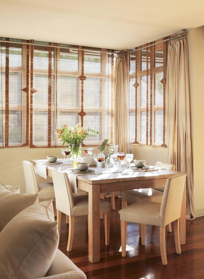 design intérieur de style campagne rustique, modèle salle à manger décorée en couleurs neutres avec meuble bois
