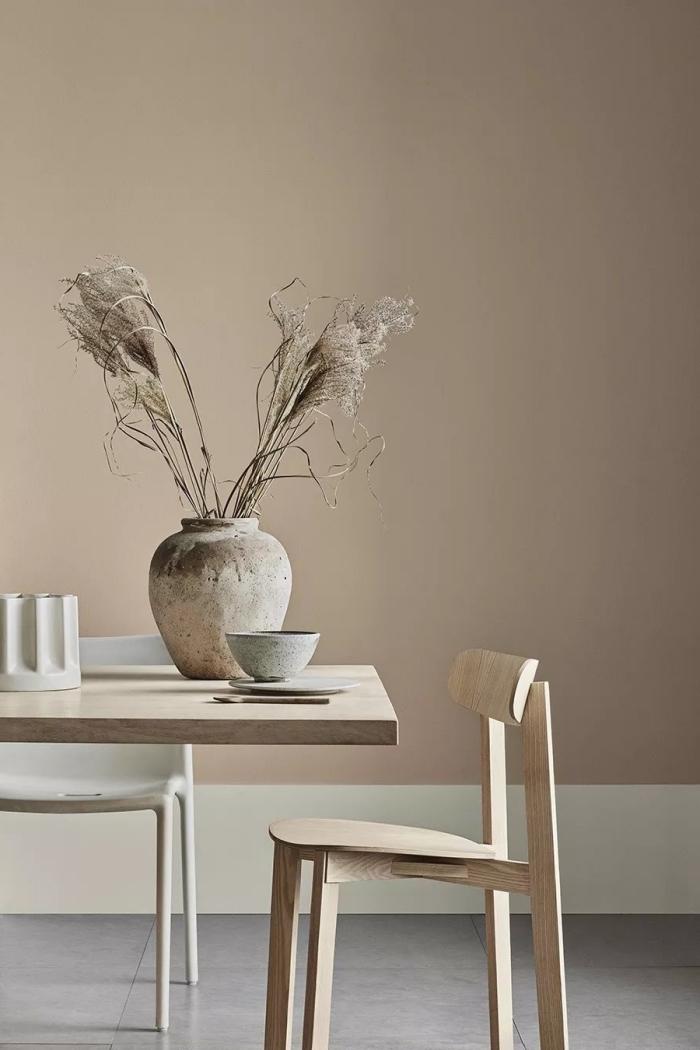 idée peinture beige de nuance sable pour une salle à manger, pièce aménagée en nuances de beige et de gris