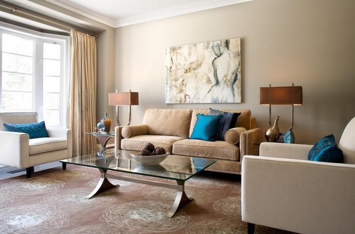 avec quoi associer le beige dans la déco, exemple de déco moderne dans un salon en couleurs neutres avec accents en bleu