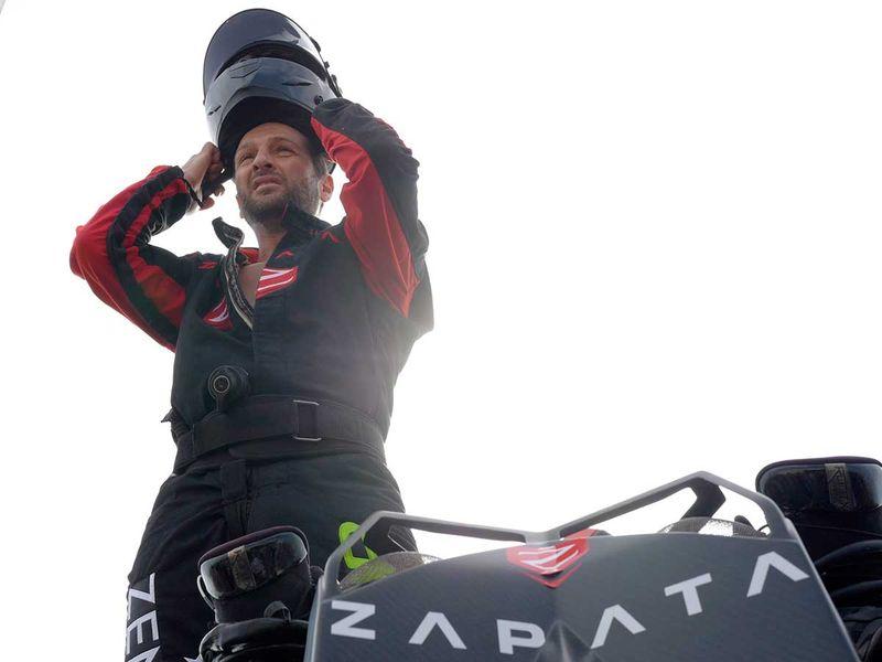Franky Zapata et son Flyboard Air ont raté leur premier essai de traversée de la Manche avec escale