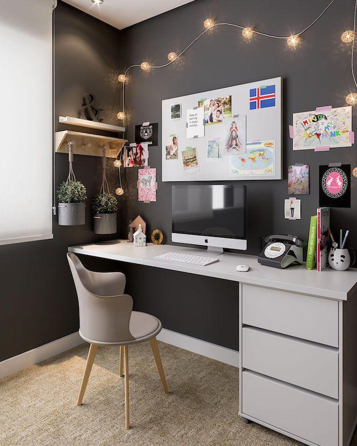 Mur gris foncé et bureau gris claire, cool idée aménagement coin decoration bureau à domicile, simple idée pour bien décorer