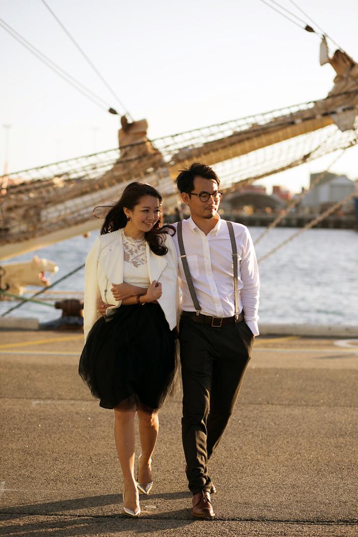 Couple adorable, tenue invité mariage, inspiration robe année 60, rétro tenue pour une soirée guinguette